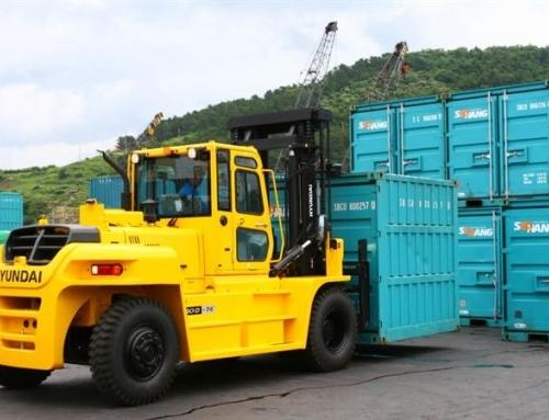 Grandes máquinas Hyundai, que llevan las cargas más pesadas